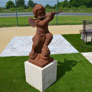 statue ange cherubin en fonte