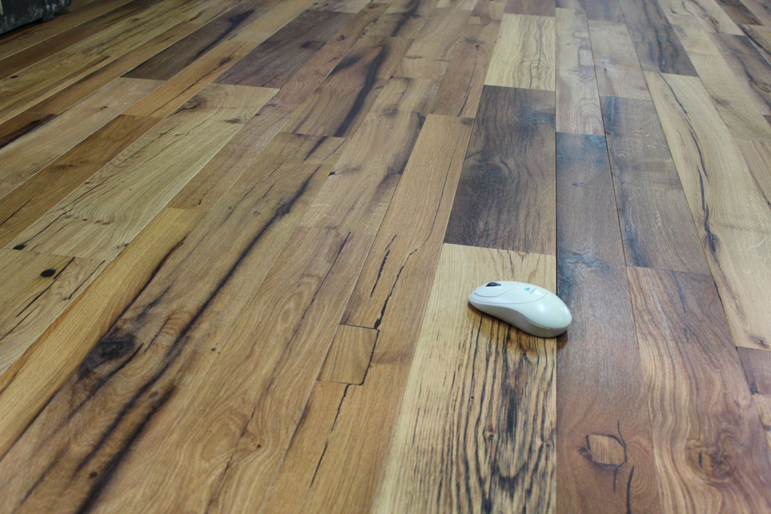 Engineered reclaimed oak flooring for Salvaged oak flooring