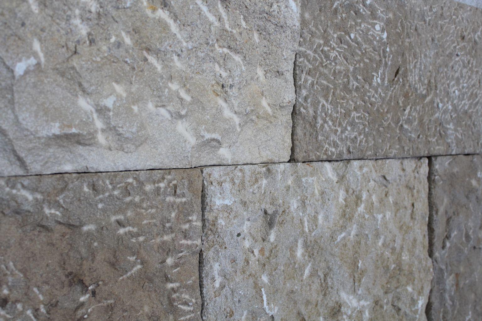 Wall Cladding In Rustic Prieur 233 Limestone