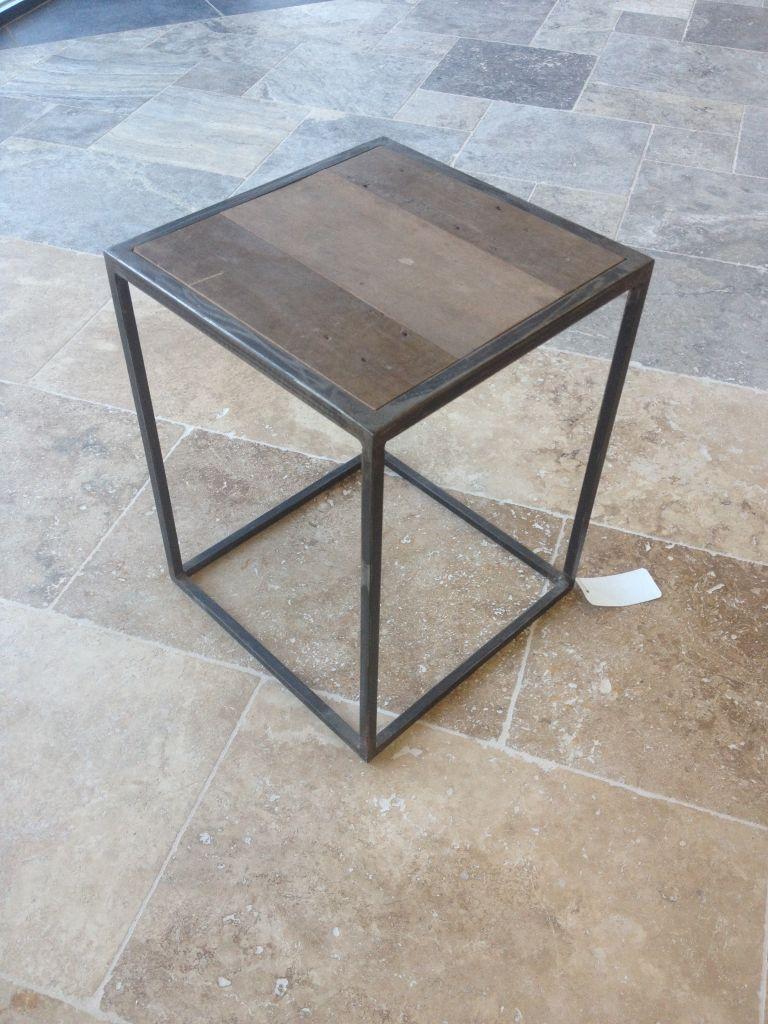 table de chevet en fer forg. Black Bedroom Furniture Sets. Home Design Ideas