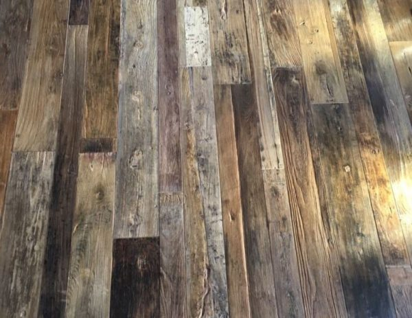RECLAIMED ENGINEERED ELM FLOORBOARDS