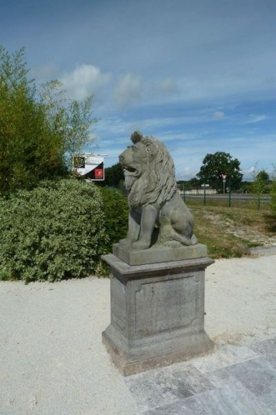 statue de lion ancienne