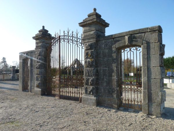 Reclaimed granite entrance gateways