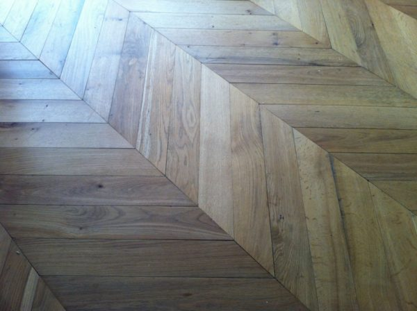 Antique Reclaimed Remilled Oak Chevron French Bca