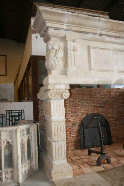 cheminée-pierre-ancienne-renaisssance