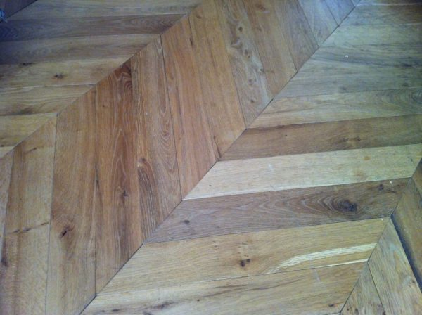 reclaimed chevron oak flooring