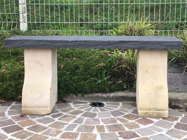 banc de jardin en pierre