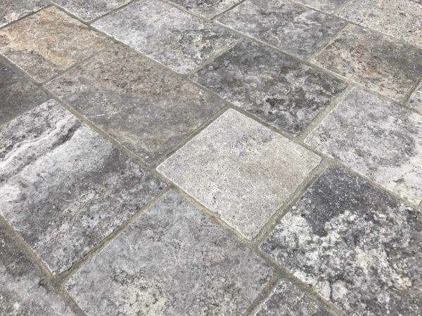 Pavé en travertin silver gris