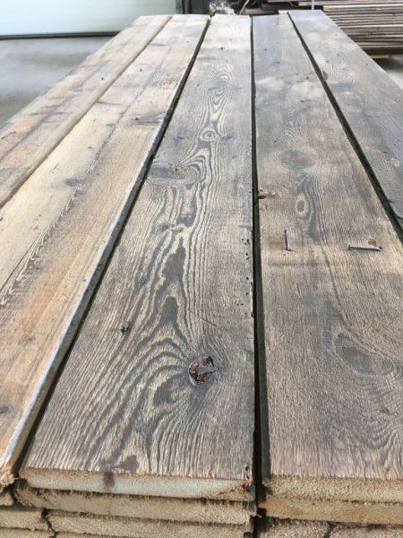 plancher ancien en sapin gris