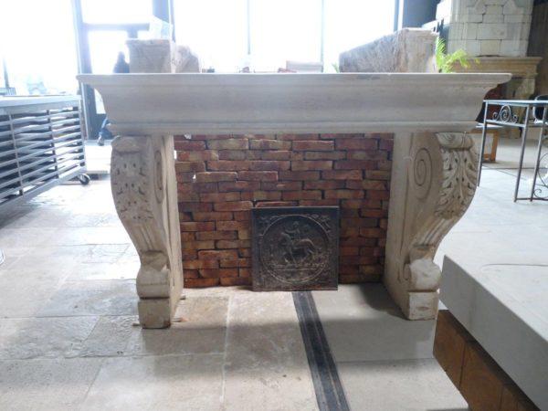 cheminée ancienne d'époque renaissance