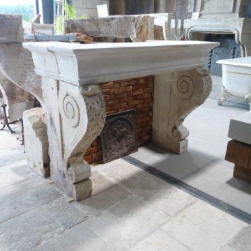 cheminée renaissance en pierre