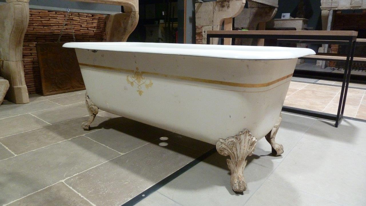 antique cast iron claw foot bathtub bca antique materials. Black Bedroom Furniture Sets. Home Design Ideas