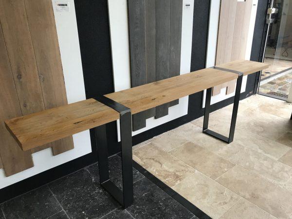 console en bois ancien et piètement métal