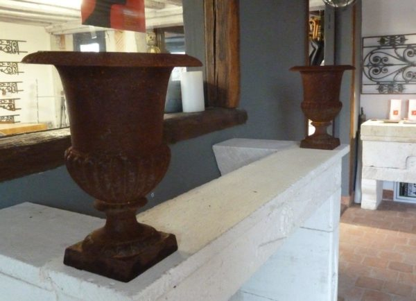 medici vase cast iron colored patina