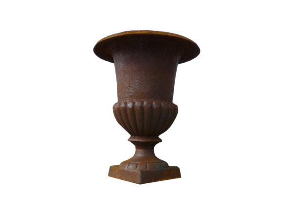medici vase in cast iron with rust