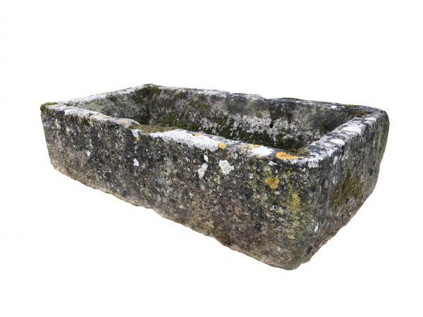 petite auge en pierre