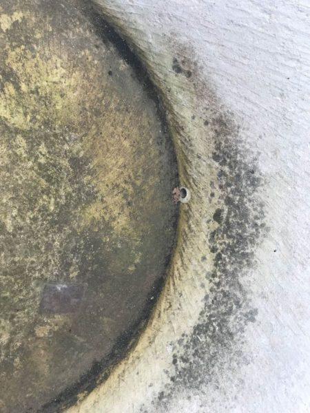 trou de vidange ponne en pierre