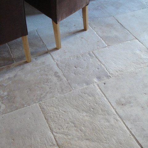 Dalle ancienne en pierre