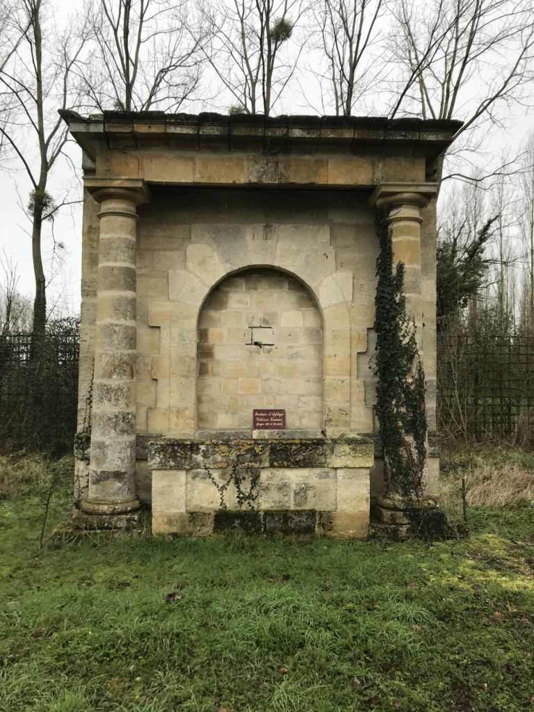 Monumental Antique French Wall Fountain In Limestone Bca