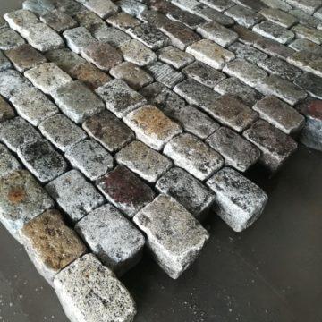 Vieux pavés de rue en granit