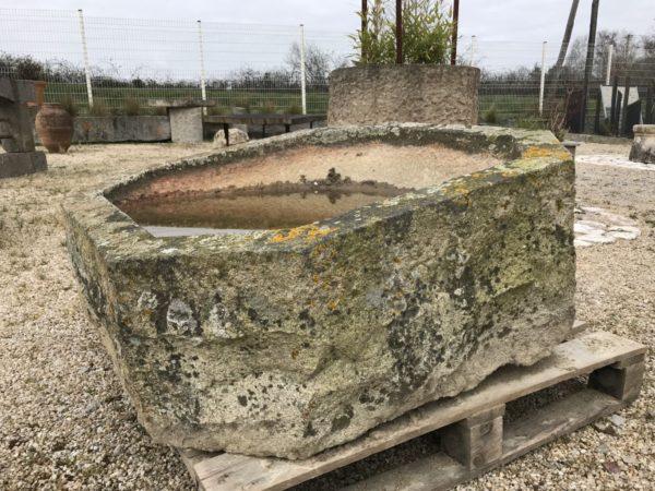bac en pierre de granit octogonale