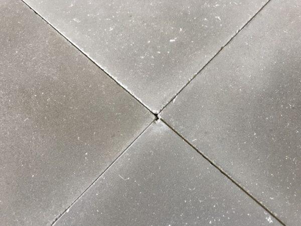 carreaux de ciment gris unie vieilli