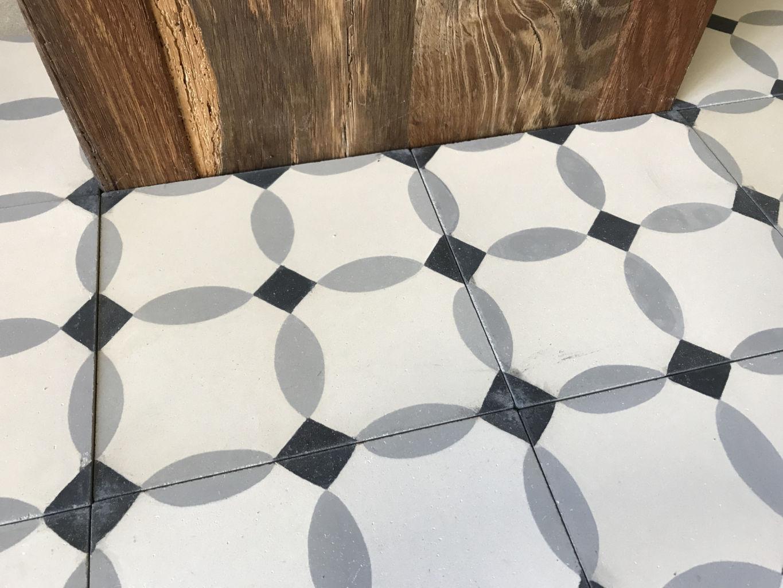 carreaux de ciment l 39 ancienne finition vieillie bca mat riaux anciens. Black Bedroom Furniture Sets. Home Design Ideas