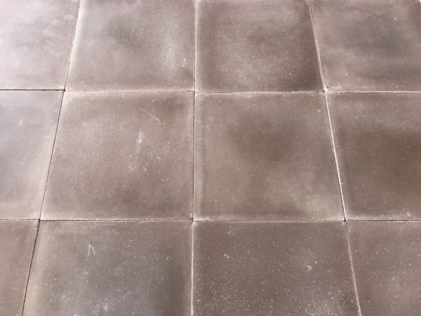 carreaux de ciment marron