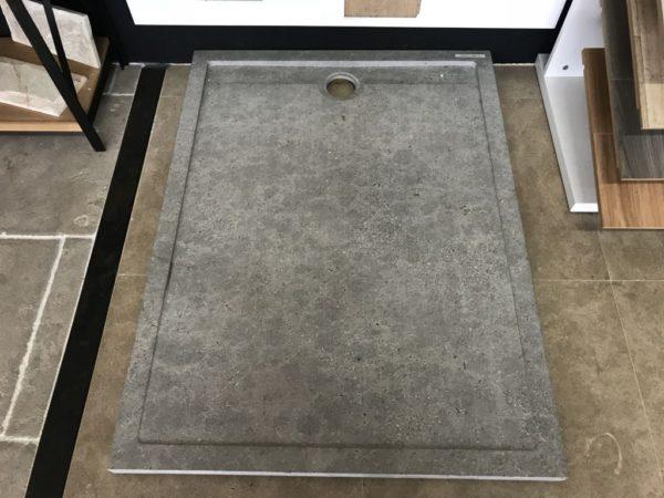 receveur de douche gris en pierre