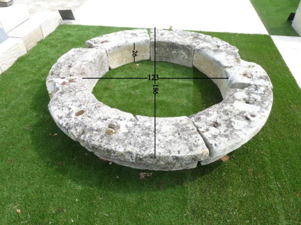 margelle de puits ancienne