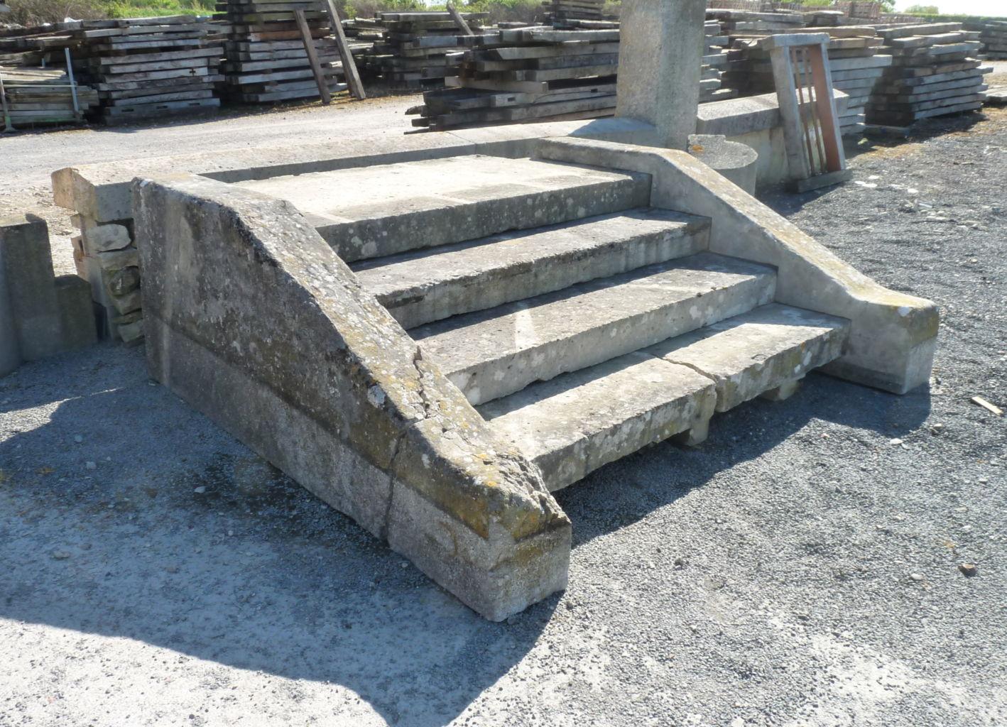 Perron en pierre ancien 4 marches bca mat riaux anciens - Perron maison ...