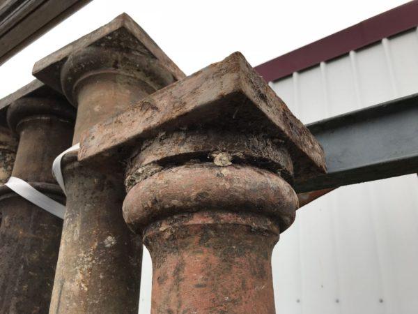 poteau en fonte ancien