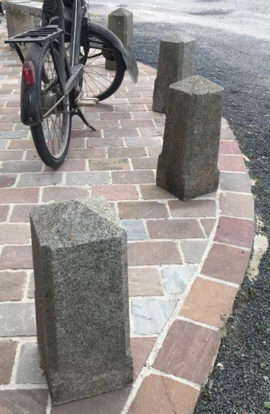 squared posts in granite antique