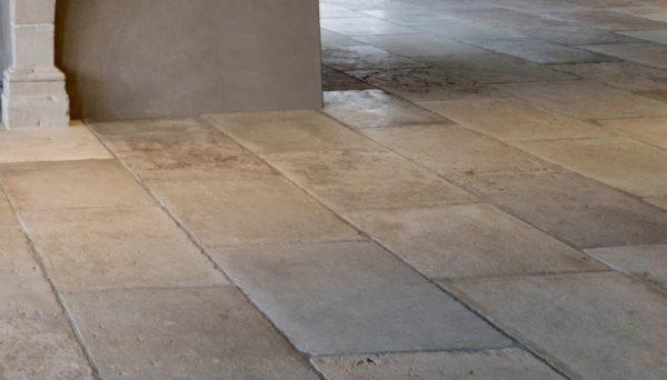 antique glagstones floor barre