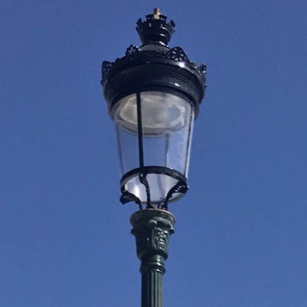 head-of-street-lamps-antique