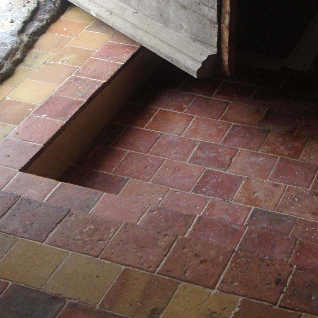 antique terra cotta floortiles in farmhouse project