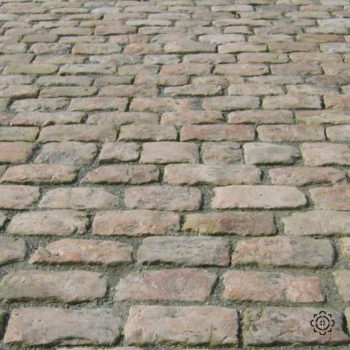 antique french limestone cobbles for chateau like Chenonceau
