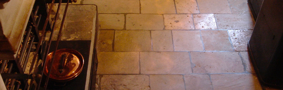 antique kitchen flagstones chateau chenonceau