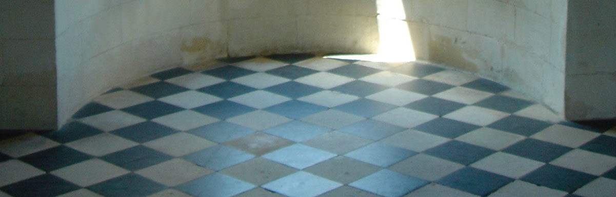 black and white reclaimed flagstones at chenonceau