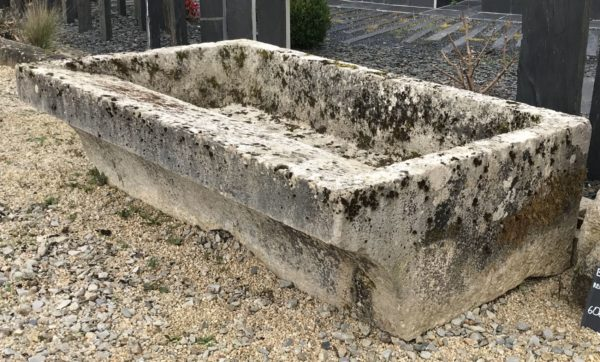 french liemstone washing trough for horse