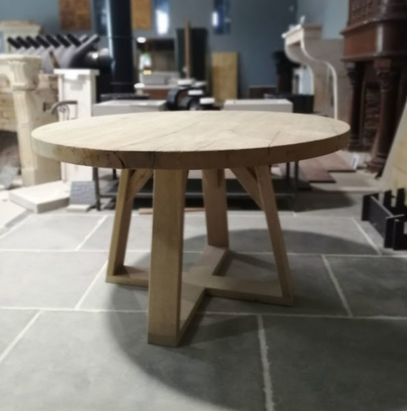round table strong brushed finish