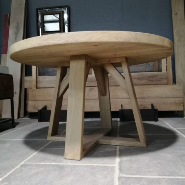 round table in oak brushed