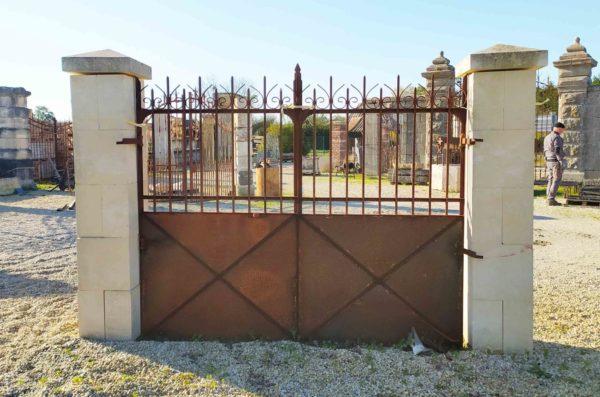new antique gates in iron