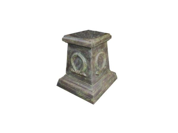 plinth suitable for vases