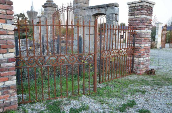new classic iron gates