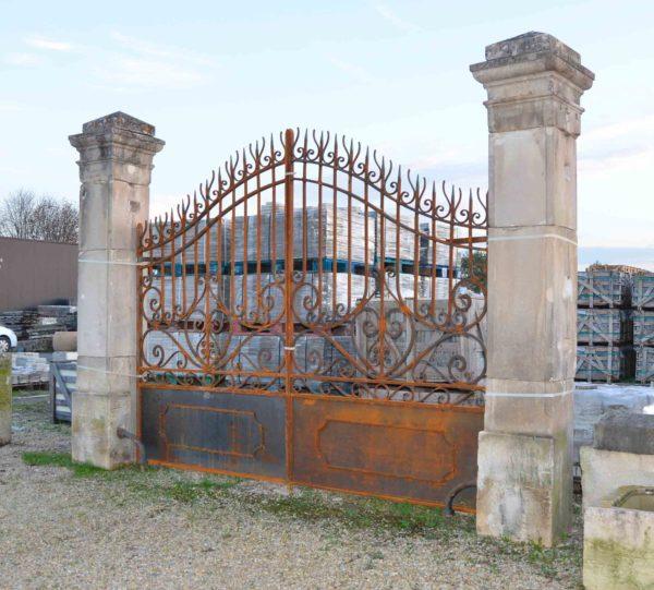 gateway pillars in limestone
