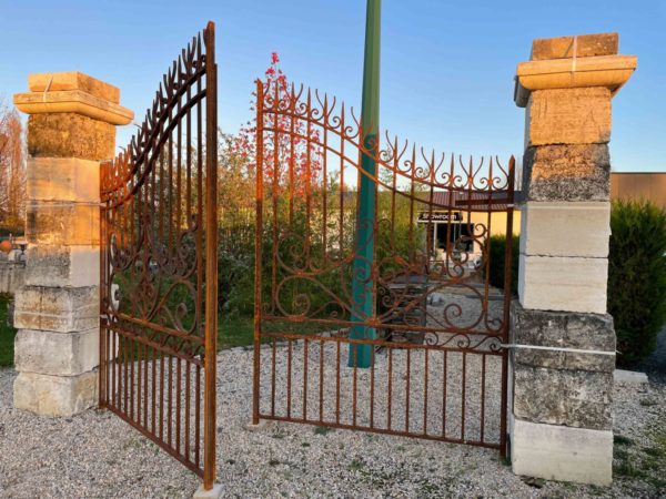 new traditional style gates