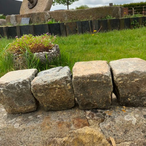 Porphyry paving in stone