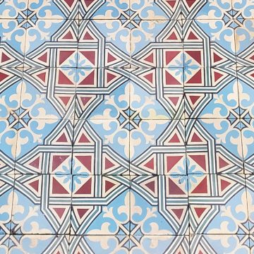 Star pattern in the cement tile set